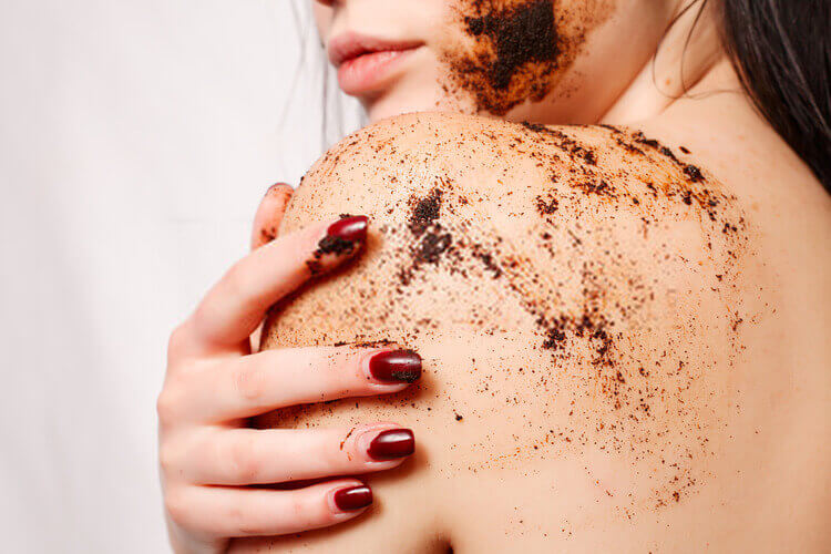 best body scrubs in India 2020